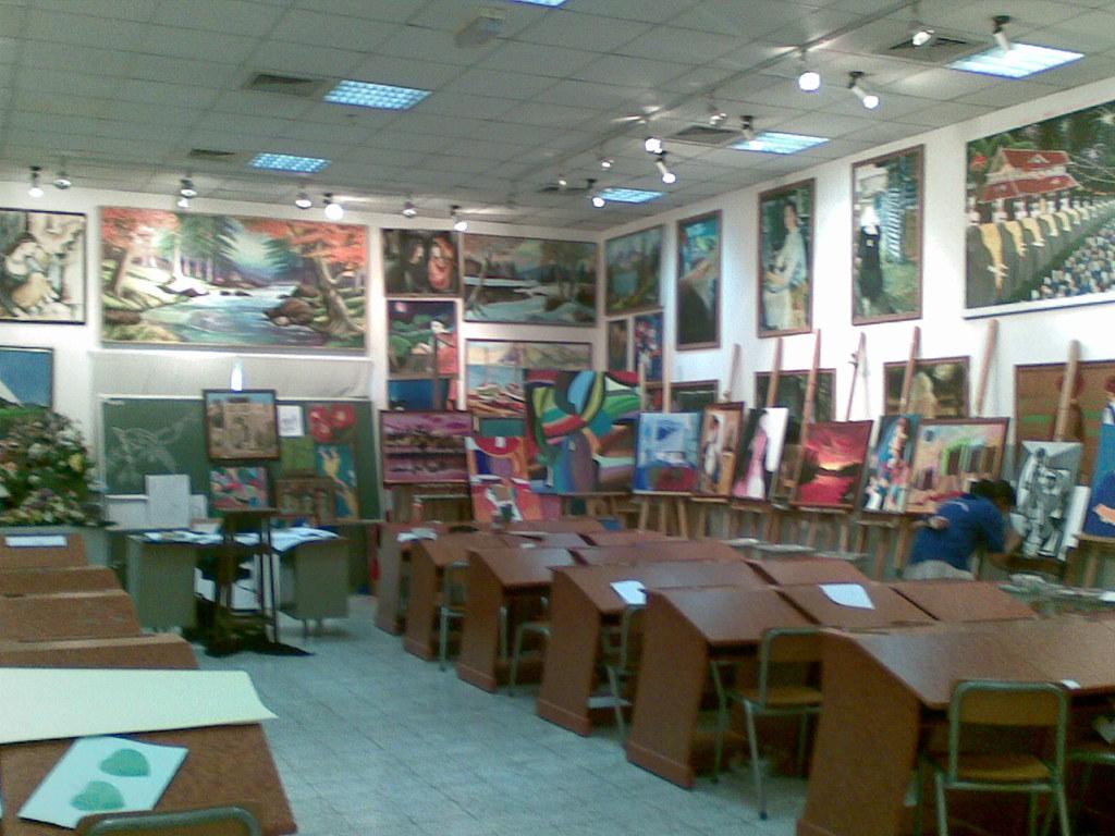Modern Art Classroom ~ Modern high school dubai art room ajay abr flickr