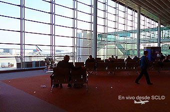 CDG Terminal 2 Concurse L sala embarque (RD)