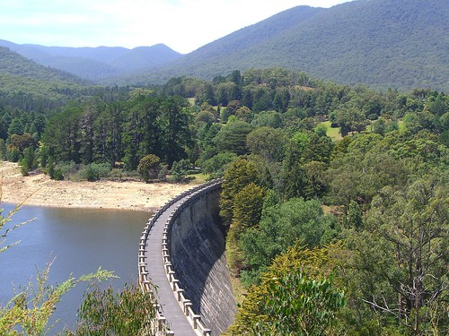 Maroondah dam wedding