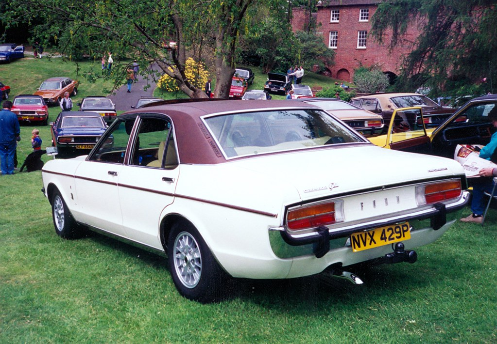 1975 ford granada 3 0 ghia just look at it this is a. Black Bedroom Furniture Sets. Home Design Ideas