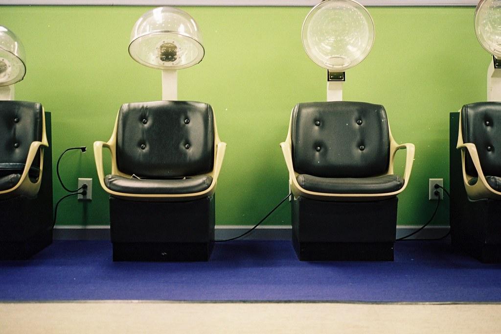 Beauty salon lisa scheer flickr for Salon workspace