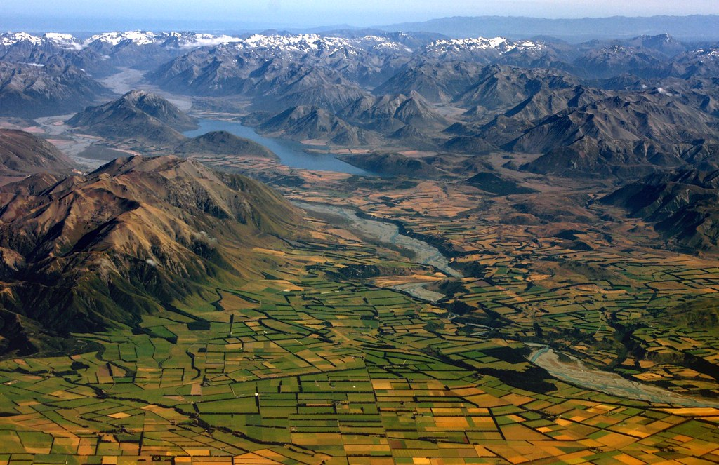 Canterbury plains landscape new zealand another view of for Landscaping companies in new zealand