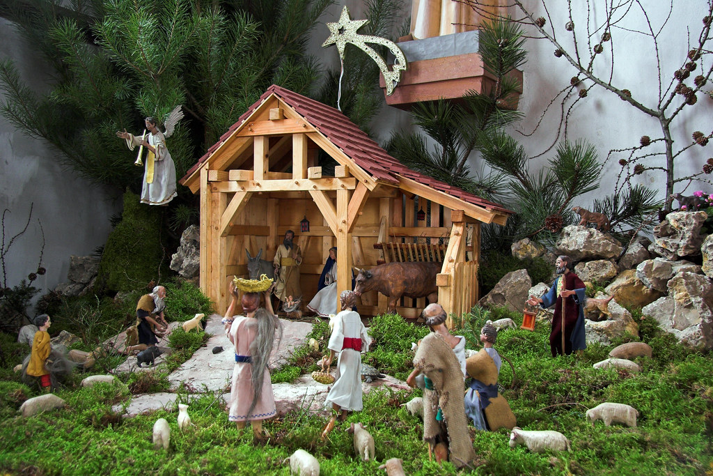The original nativity scenes were live re-enactments of the birth of Jesus, with actors and real animals.