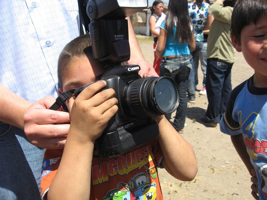 Mat as saca fotos en pleno campamento ochagavia en el for Lo espejo 03450 san bernardo