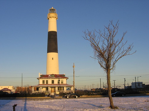 IMG_4385 Absecon Lighthouse around half an hour before sunset | by iirraa