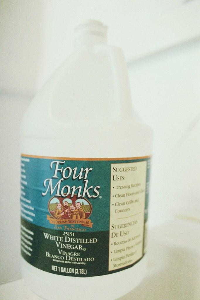 White Vinegar And Kitchen Sink