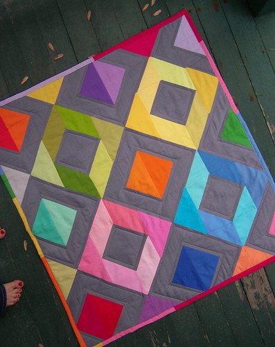 Kona solids quilt finished! | by Lindsay Sews {@CraftBuds}