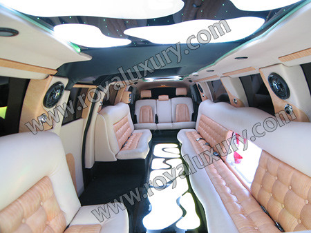 Audi Q7 limousine Interior from www.ROYALUXURY.com | Flickr