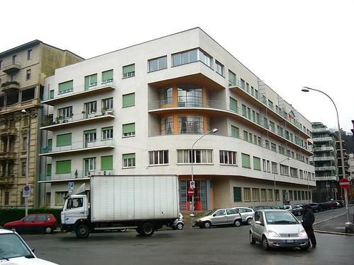 Guiseppe Terrangni- Novocomum Apartments, 1929