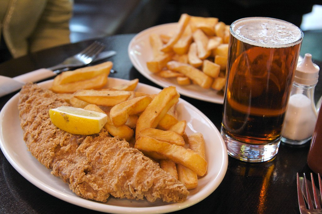 Fish chips with beer amorimur flickr for Fish and beer
