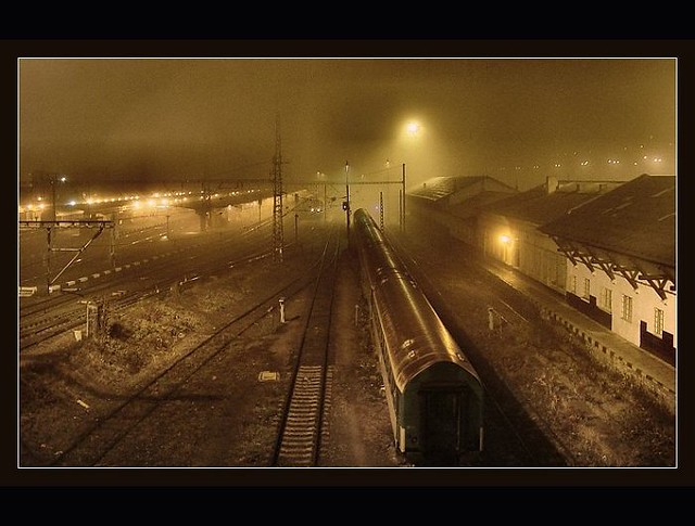 Lonely trains   by Medhi
