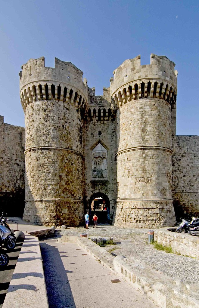 Rodhes Island  Greece  The Old Medieval City Walls And Its