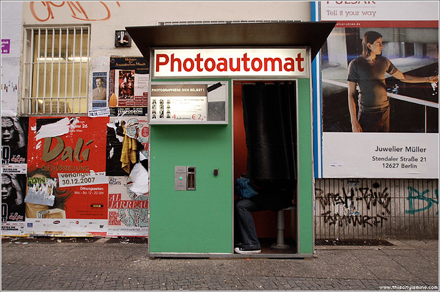jenn finds a photoautomat in berlin this was in a neighbor flickr. Black Bedroom Furniture Sets. Home Design Ideas