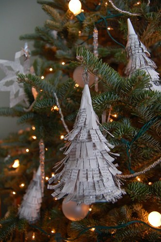 Newspaper Christmas Tree Ornament | Urbanestics | Flickr