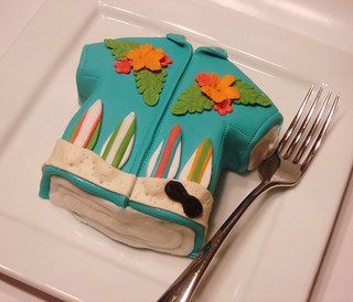 hawaiian t shirt cakelet | by cupcakeenvy