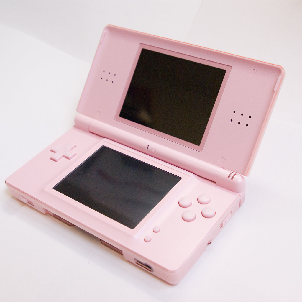 Nintendo Ds Lite In Pink My Daughter S Ds Lite The