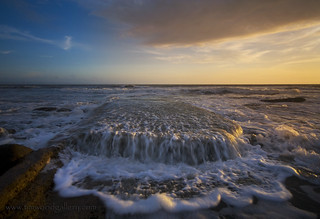 THE WAVE, THE SEA, THE LIGHT.....SOUTHERNDOWN, WALES. | by IMAGES OF WALES.... (TIMWOOD)