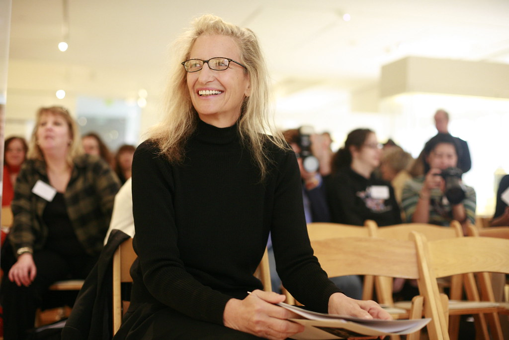 Annie Leibovitz At Her Sf Exhibition Annie Leibovitz Is
