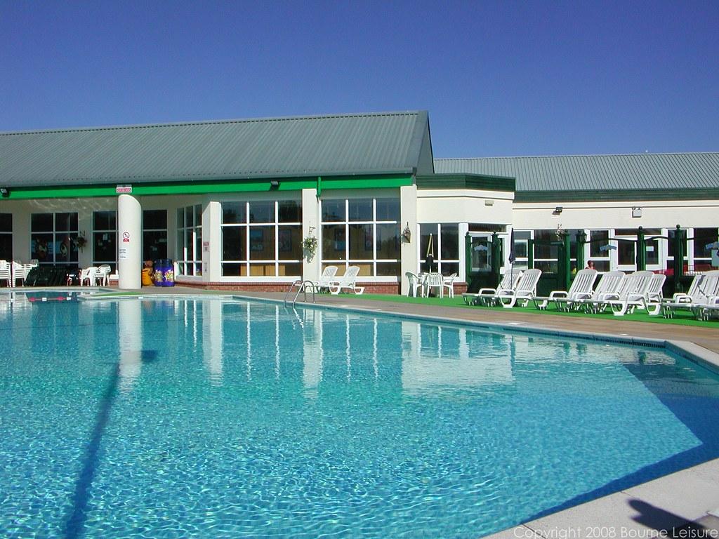 Lakeland Outdoor Swimming Pool Haven S Lakeland Holiday