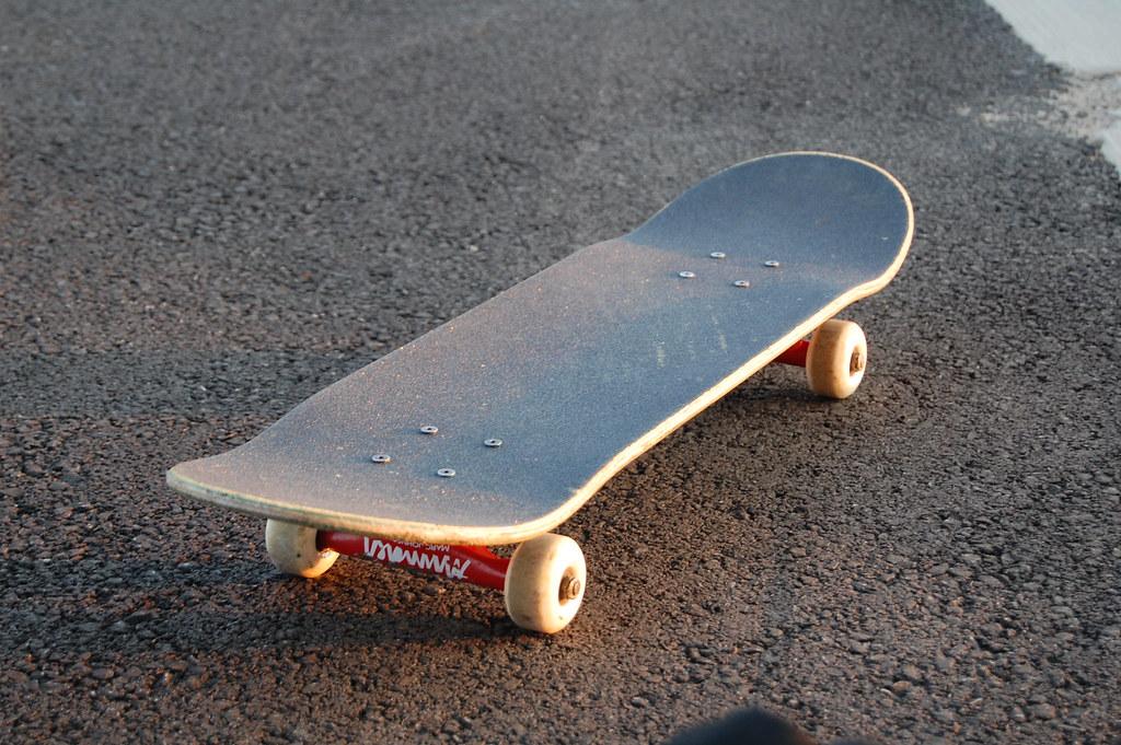 Skateboard joshloncarevich flickr - Dessin skateboard ...