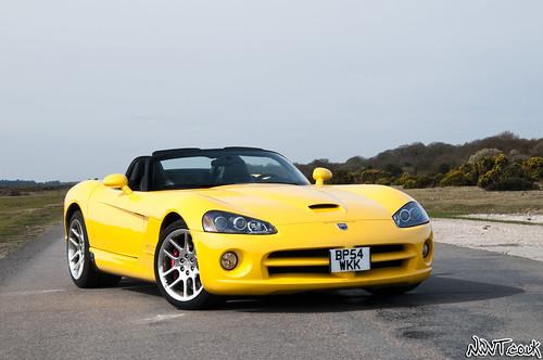Dodge Viper Yellow Yellow dodge viper srt-10