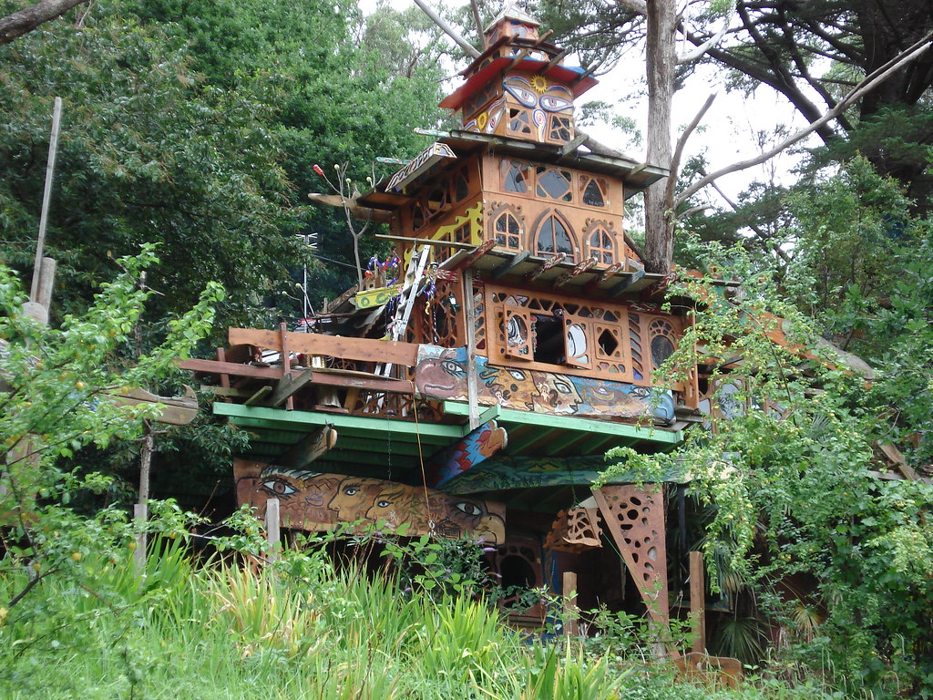 Hippie house | This amazing construction is perched just ...