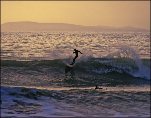 Winter surf happiness @ Compton, Isle of Wight | by s0ulsurfing
