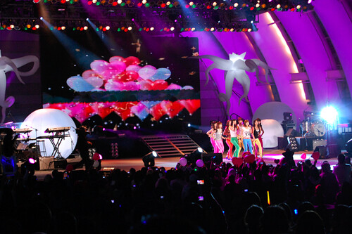 2009KMF - SNSD on stage! | by Elle in California