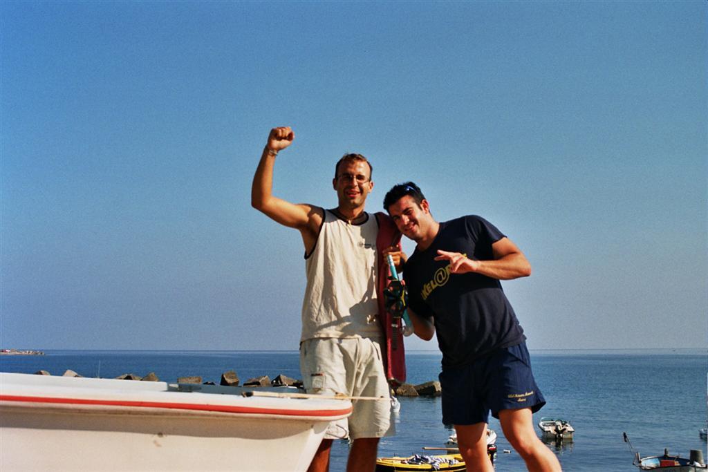 estrecho de Messina: Y así llegamos hasta el primer pueblecito siciliano donde desayunamos un Pole Position cruzar de italia a sicilia - 2512771271 d639d1128a o - Cruzar de Italia a Sicilia por el estrecho de Messina