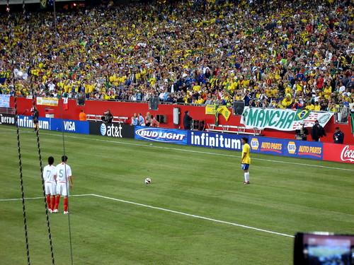 Ronaldinho Free Kick Wallpaper Ronaldinho Free Kick | by