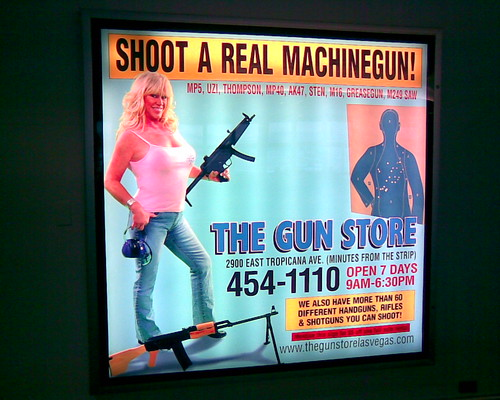 shoot a real machine gun las vegas