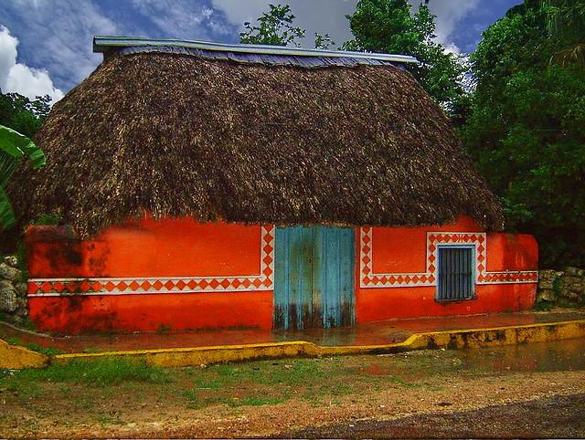 Choza maya todas las construcciones mayas se basan en la for Las construcciones de los mayas