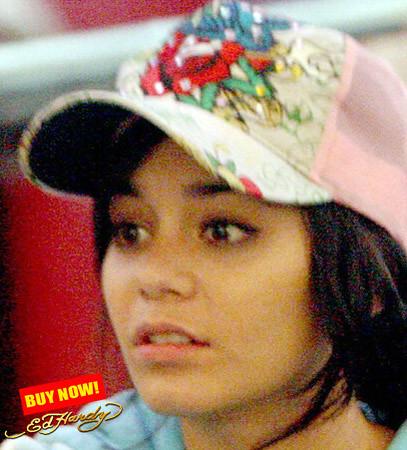 Vanessa Hudgens in ed hardy   Vanessa Hudgens (high school m ...