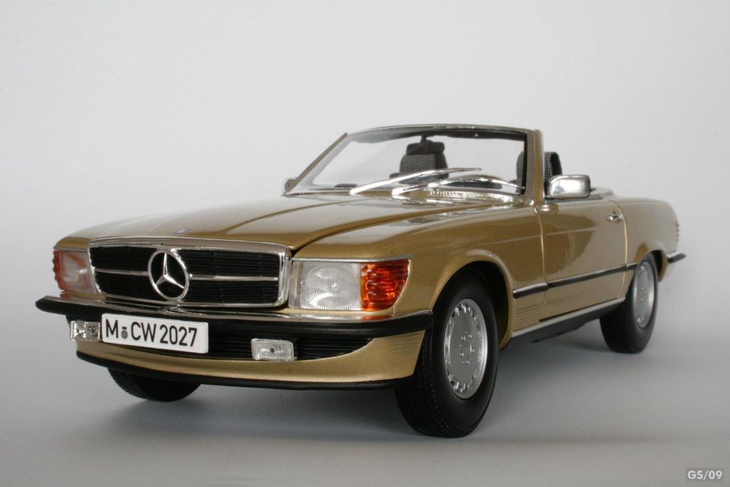 mercedes 300 sl r107 scale 1 18 by mcw norev der merced flickr. Black Bedroom Furniture Sets. Home Design Ideas