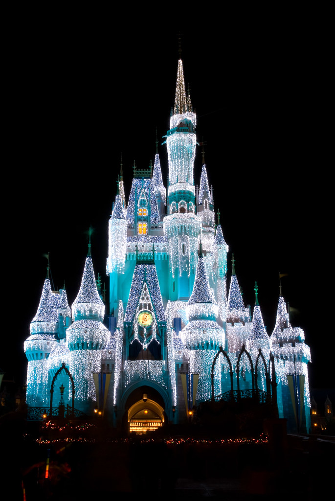 Cinderella's Castle with Icicles - Walt Disney World | Flickr