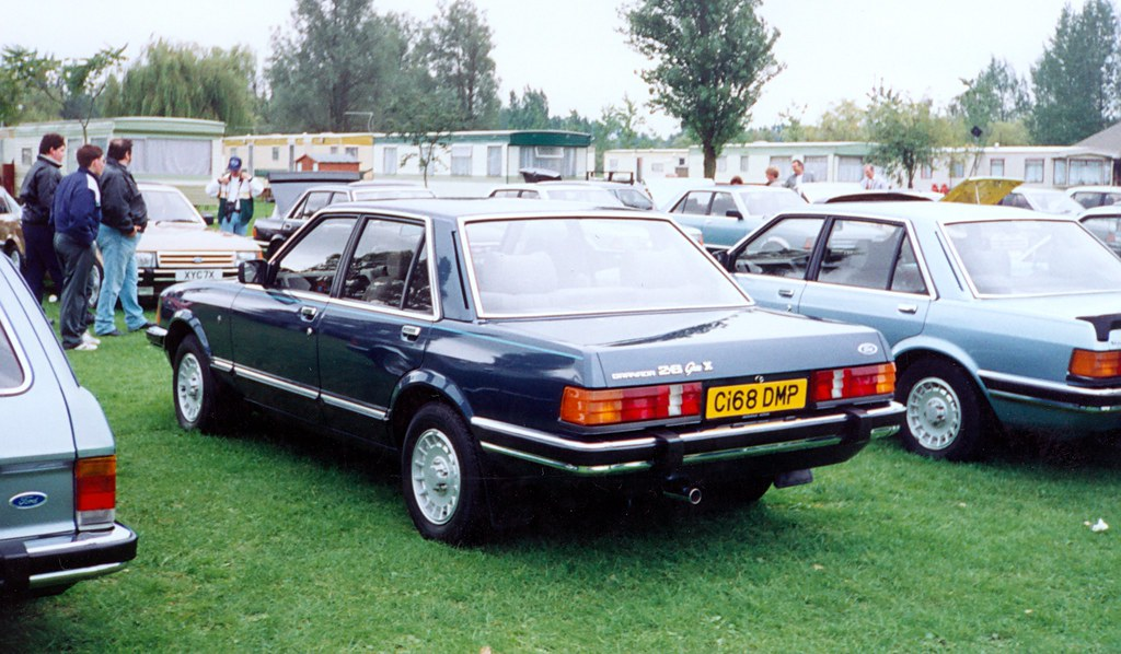 ford granada 2 8 ghia x clean unmolested and tidy as. Black Bedroom Furniture Sets. Home Design Ideas