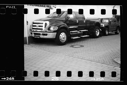 Ford F650 & Hummer v2   I think that's the largest pickup ...