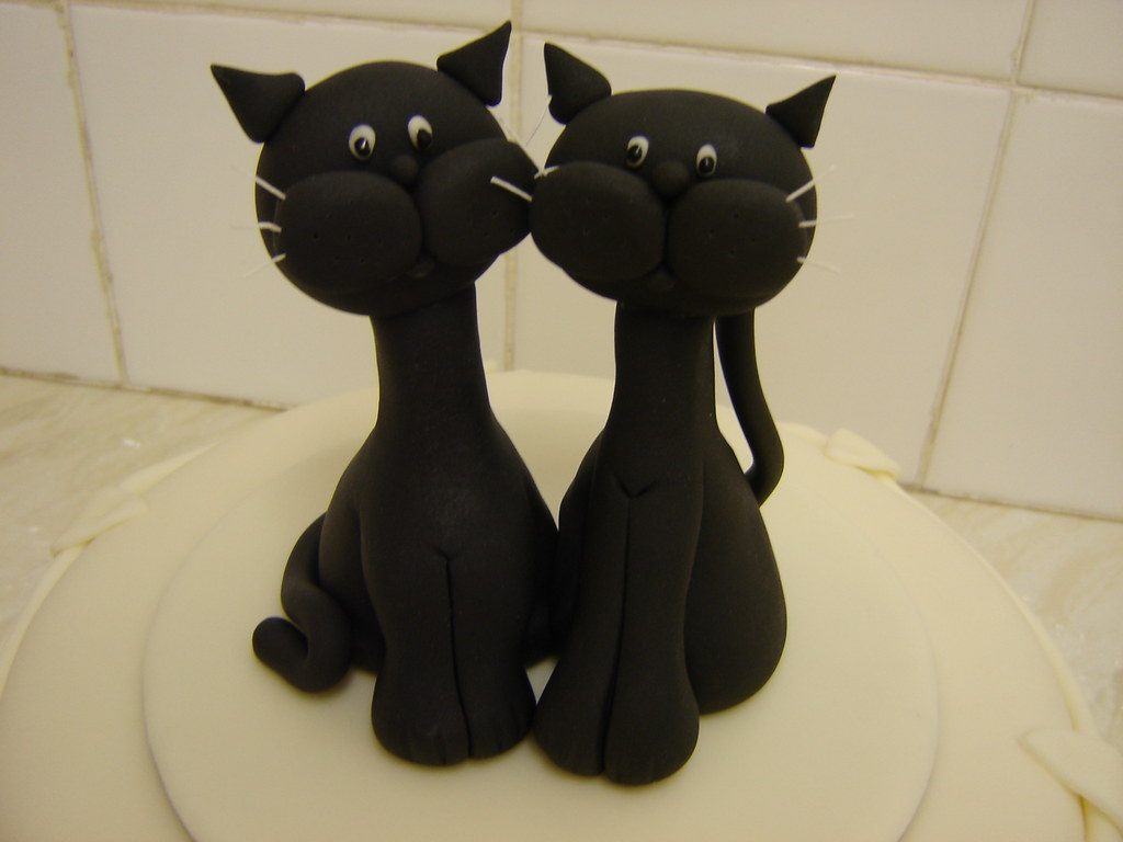 wedding cake toppers cats uk cats wedding cake topper cats and groom sugar 26435