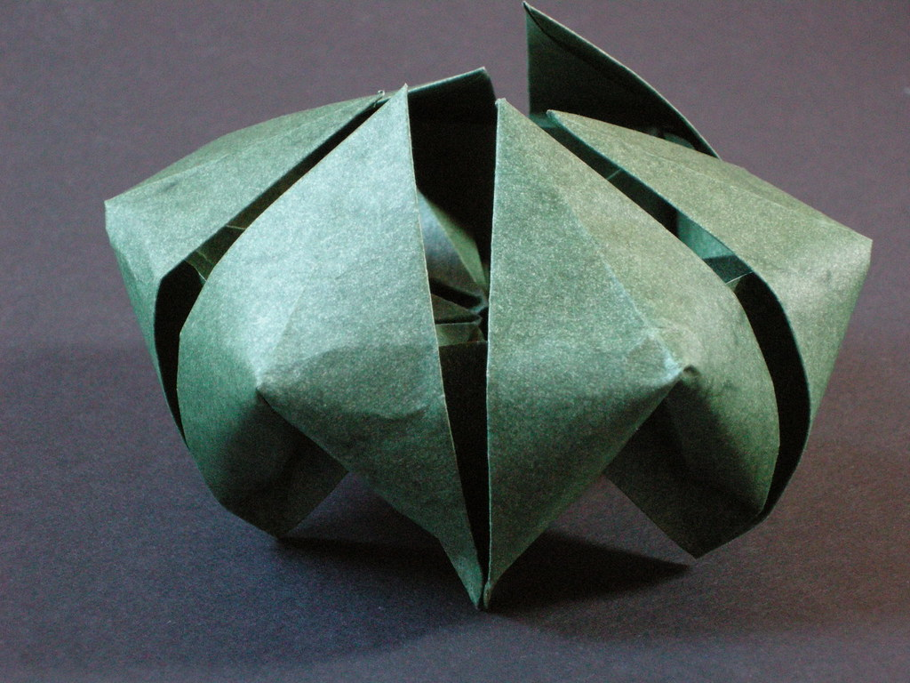 plante carnivore origami. Black Bedroom Furniture Sets. Home Design Ideas