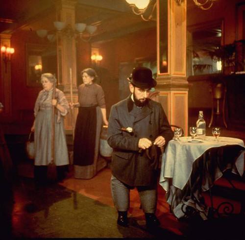 Moulin Rouge - 1952 - screenshot 5
