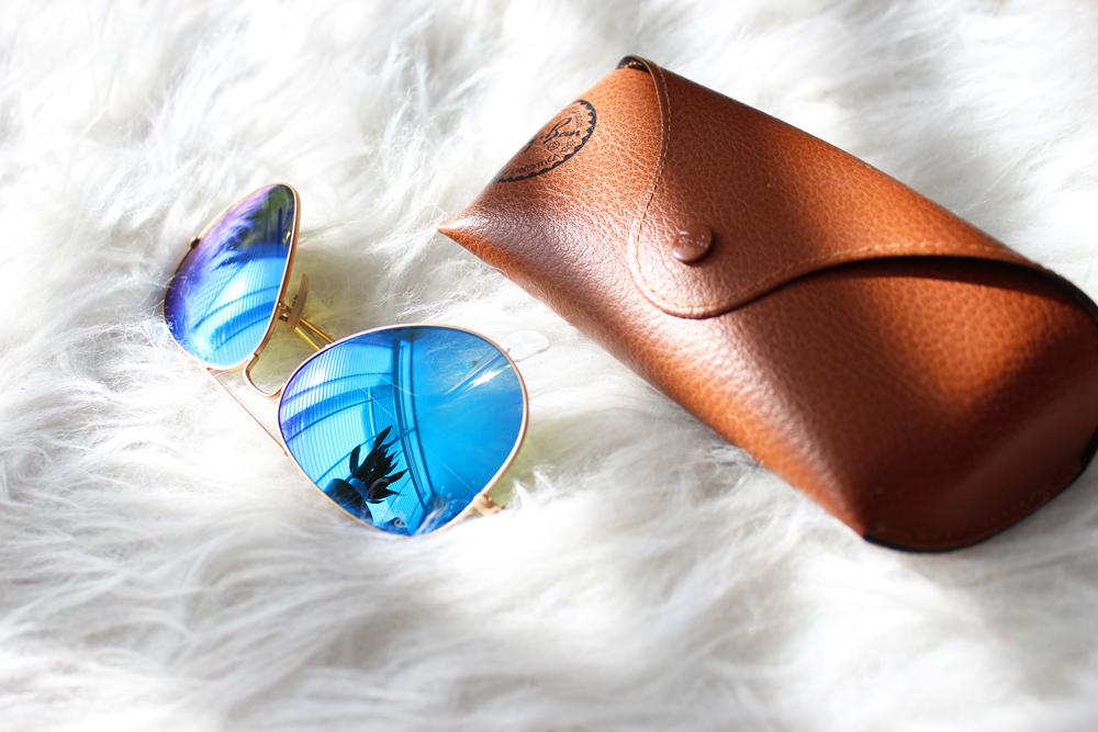 12_beach_bag_essentials_sunglasses
