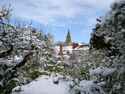 Snow scene in Wheatley, Oxfordshire | by allispossible.org.uk