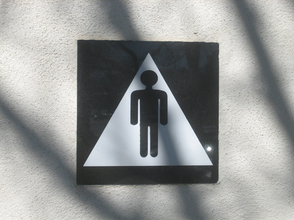 Men 39 S Restroom Triangle Sign Man In A Triangle Is There A Flickr