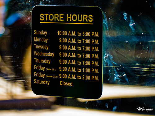 b u0026h store hours in nyc