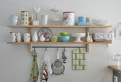Spring inspired shelfs | by Craft & Creativity