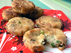 Begedil (Fried Potato Patties) | by :Salihan