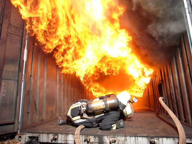 Flashover In Feurex Container Andreas T 252 Gel Flashover