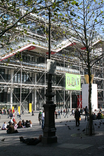 Le Clochard, Beaubourg, Centre Pompidou (Renzo Piano) | by Thomas Grascoeur