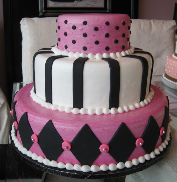 pink white and black wedding cakes pink black amp white wedding this cake was iced smooth 18598