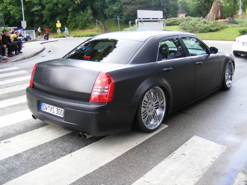 Chrysler 300c Mit 24 Zoll Felgen 24 Inch Rims Mycedes